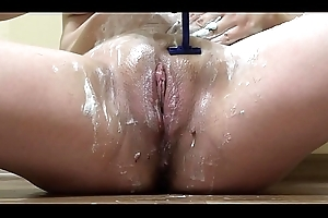 Is my wet crack beautiful instantly hairy or instantly it's shaved? A convincing girl with beautiful special shaves her wet crack and asshole.