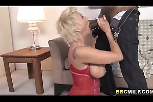 Honcho Mature Isabella Rossa Gets Pounded Off out of one's mind A Big Starless Horseshit