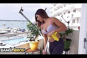 BANGBROS - Lay out Danger'_s Extreme Latin Maid, Mariah, Gets The Job Done