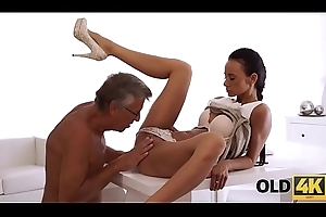 OLD4K. Young chick tastes chief'_s dick in nice old and young video