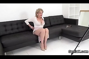Unfaithful british grown up lady sonia shows her massive knockers