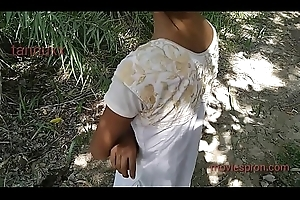 Desi  outdoor  pussy gf going to bed soniya